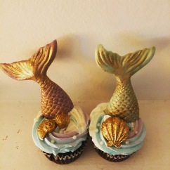 Mermaid Cupcakes with Edible Pearls, Mermaid Tails and shells